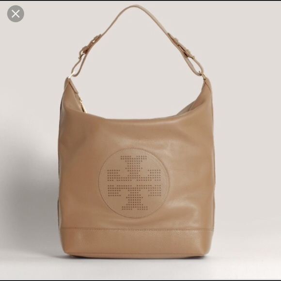 8dd9664f02b1 Tory Burch Kipp Hobo in Sand Dollar Color. M 5ab52e67b7f72b881f34c2f5